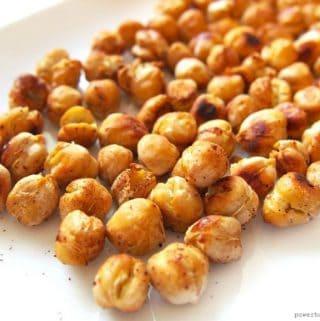 Spicy Roasted Chickpeas (Easy, Vegan}