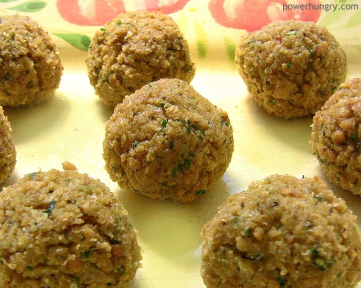 yellow plate with baked tvp meatballs