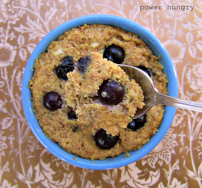 {2 Minute} Banana-Blueberry Whole Grain Mug Muffin