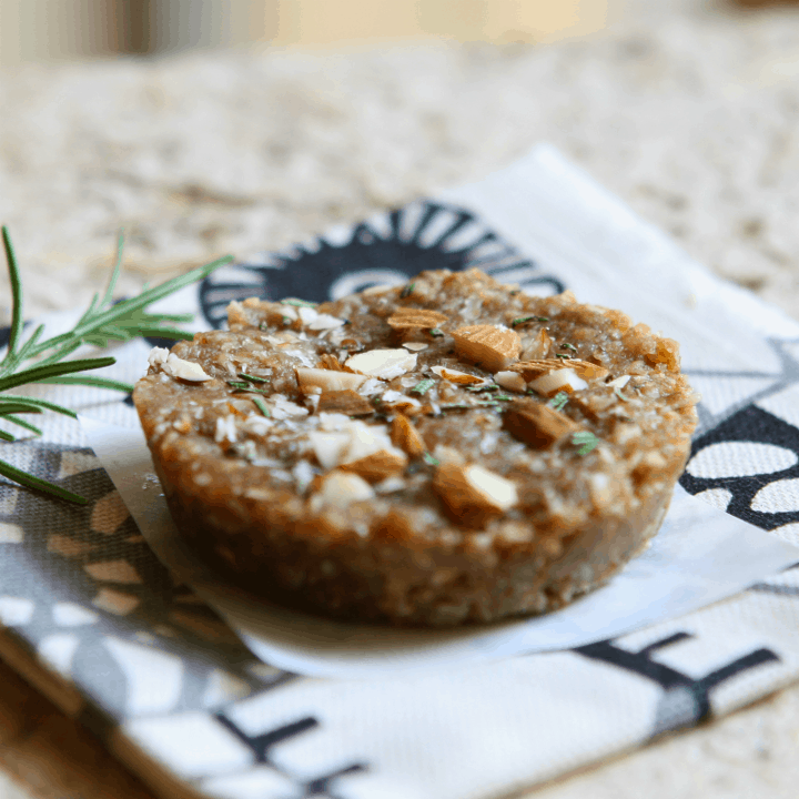 rosemary almond pucks 3
