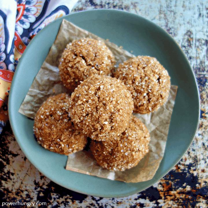 Almond Flour Gingerbread Cookies {Vegan, Oil-Free & Grain-Free}