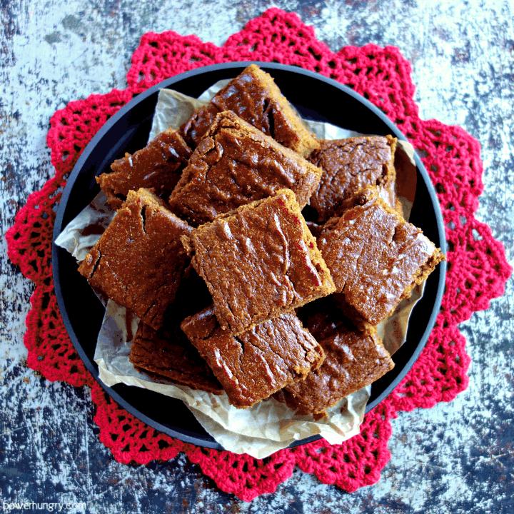 Easy Vegan Oat Gingerbread {oil-free, gluten-free, flourless}
