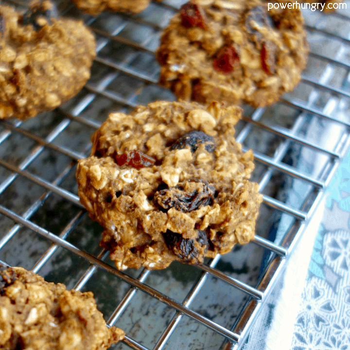 Healthy, flourless oatmeal raisin cookies that are vegan, gluten-free, and oil-free.